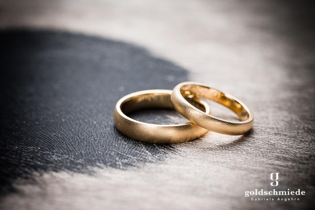 Massive Ringe wie diese lassen sich gefahrlos dehnen und stauchen.